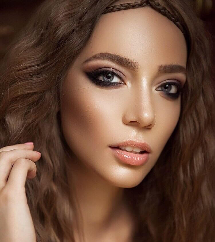 Celebrity Lashes | Professional Eyelash Extensions